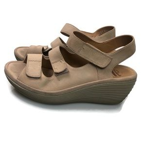 Clarks | Collection Soft Cushion Sandals Size 6.5